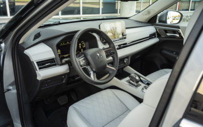 2022 Mitsubishi Outlander (Interior-1)