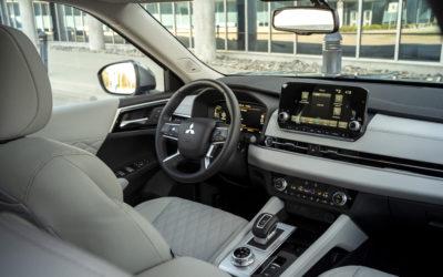 2022 Mitsubishi Outlander (Interior-3)